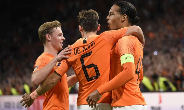 Ritiro Sneijder, Van Dijk: 'Giocatore fantastico' VIDEO
