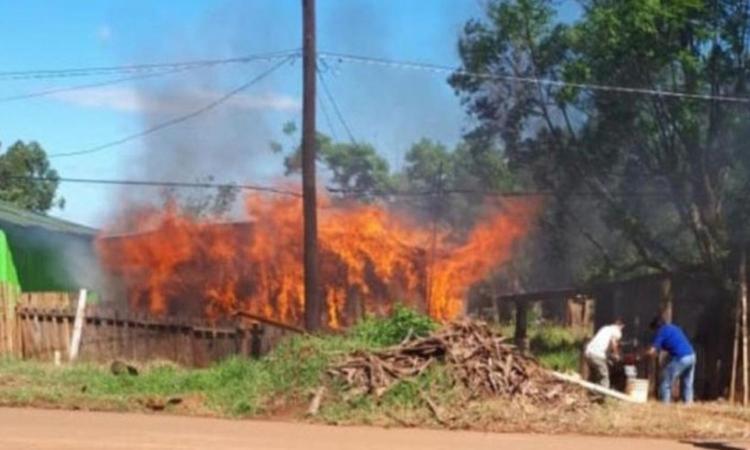 Discussione sulla finale di Copa Libertadores tra Boca e River: un uomo dà fuoco alla casa del cognato