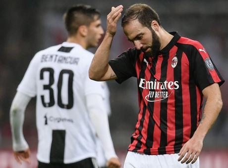 Juve-Milan: Higuain protesta, Bonucci lo calma