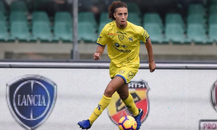 Lazio: trattativa per un centrocampista del Chievo