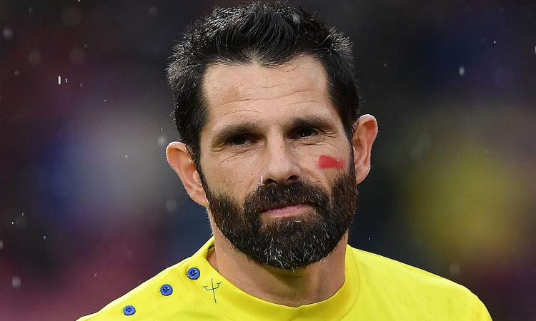 Chievo, Pellissier annuncia il ritiro: 'Largo ai giovani per tornare in Serie A' VIDEO