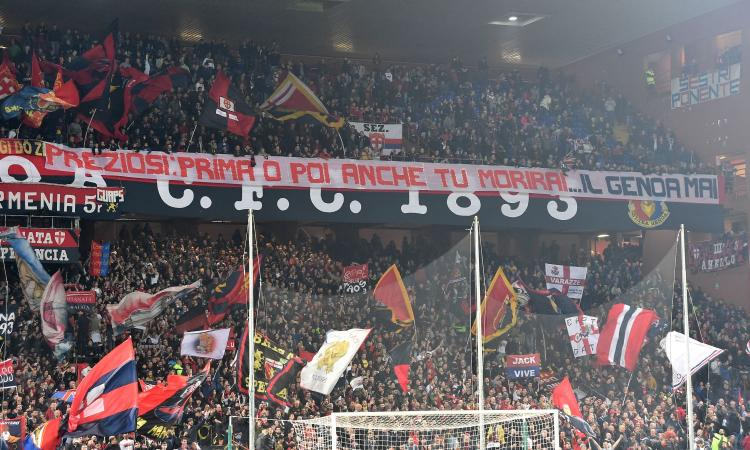Follia a Marassi, striscione dei tifosi del Genoa: 'Preziosi, prima o poi morirai'