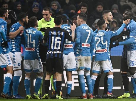 'Cattivo e non imparziale', DeLa e il Napoli multati per frasi su Mazzoleni