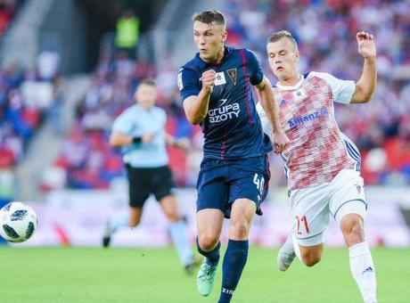 Soffiato a Barcellona, Arsenal e Dortmund: Cagliari, chi è Walukiewicz