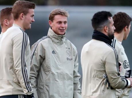 Barcellona, de Jong preferisce il PSG: i motivi