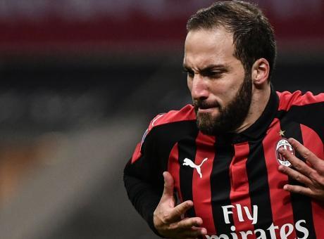 Higuain furioso, perché vuole andare via dal Milan: ha saputo che la Juve...