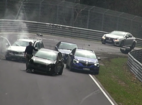 PIT STOP: Nurburgring, la compilation degli incidenti più spettacolari VIDEO