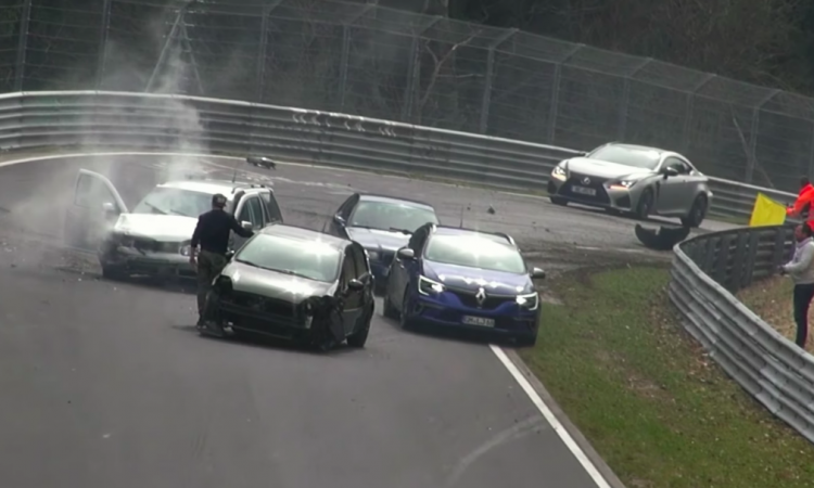 PIT STOP: Nurburgring, la compilation degli incidenti più spettacolari VIDEO