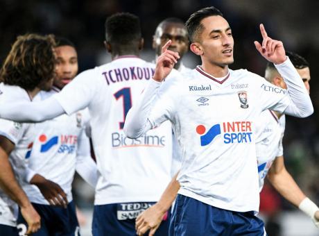 Caen, UFFICIALE: rinnova un centrocampista