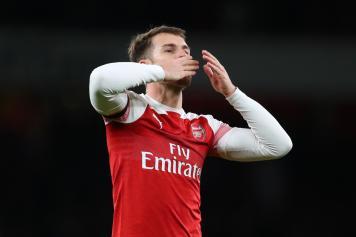 Ramsey esultanza baci Arsenal
