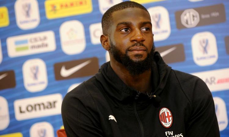 Bufera Milan-Lazio: croce e coro razzista contro Bakayoko  in Curva Nord, il Procuratore pensa all'indagine
