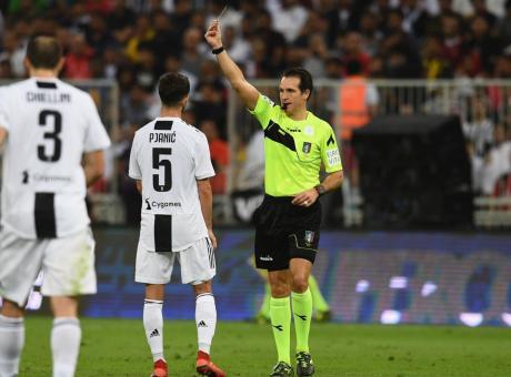 Supercoppa, il giallo a Pjanic costa caro alla Juve