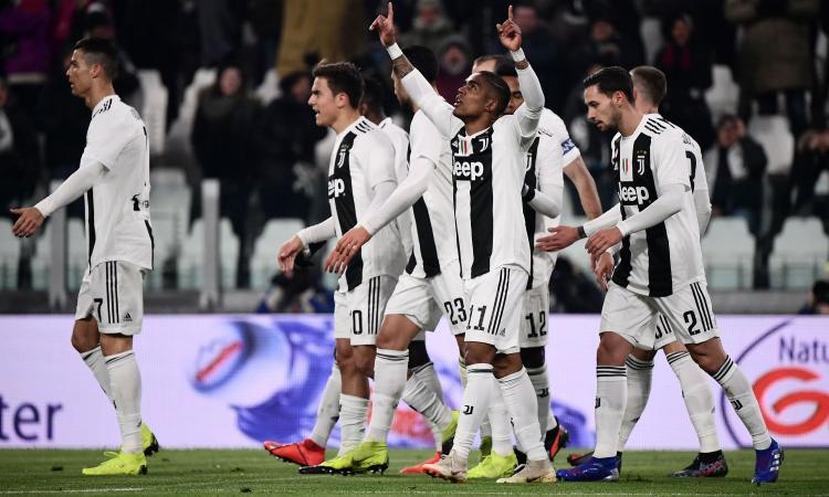CR7 sbaglia, la Juve no: 3-0 al Chievo