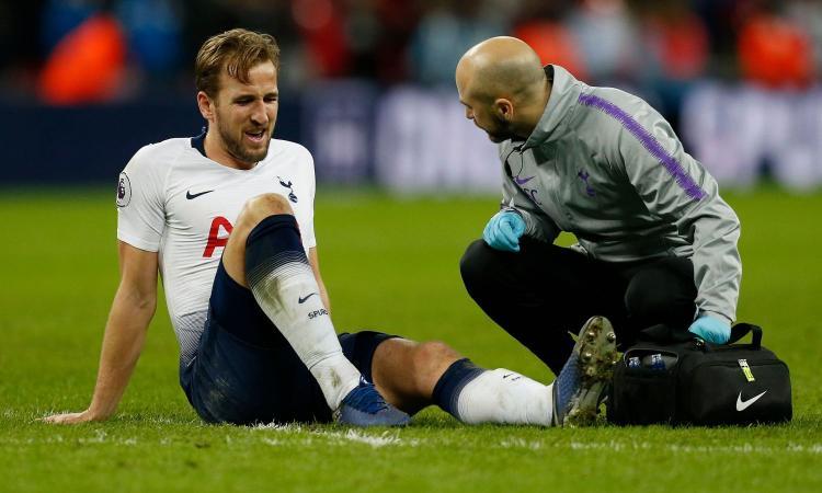 Tottenham, infortunio alla caviglia per Kane. Pochettino: 'Siamo preoccupati'