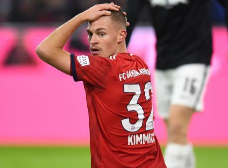 Bayern, Xavi parla con Kimmich: 'Saresti perfetto per il Barcellona'