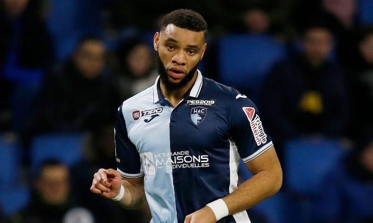Saint-Etienne, UFFICIALE: preso un difensore seguito anche dal Napoli