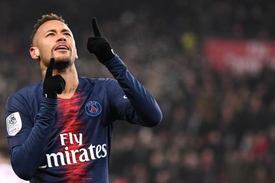 Neymar rules out Barcelona, Real moves: 'I suffered at