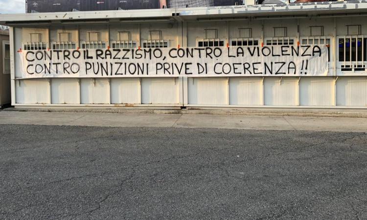 Striscione tifosi Inter: 'Contro razzismo, violenza e punizioni prive di coerenza'