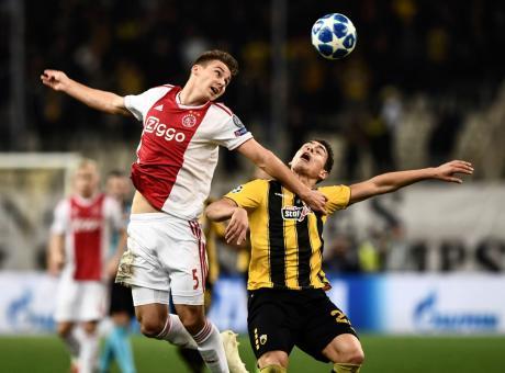 Siviglia: è fatta per un difensore dell'Ajax