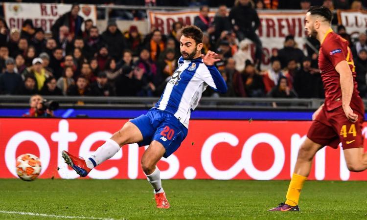 Roma-Porto, rivivi la MOVIOLA: mano di Pepe, regolare il gol di Adrian Lopez
