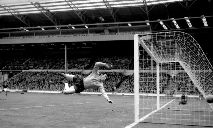 E' morto Gordon Banks, portiere dell'Inghilterra del Mondiale del '66: sua la parata del secolo VIDEO