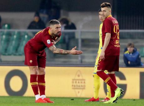 Kolarov fa l'inchino alla curva, la Roma è pronta per il Porto in Champions