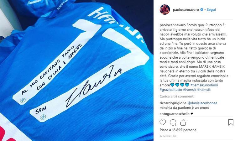 Addio Napoli, Hamsik regala l'ultima maglia a Paolo Cannavaro