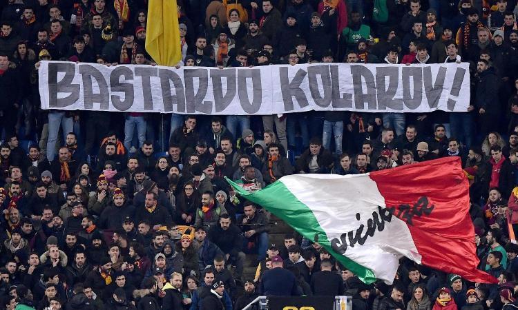 Roma: l'Olimpico applaude Kolarov, ma dalla curva arriva lo striscione: 'Bas...rdo' FOTO