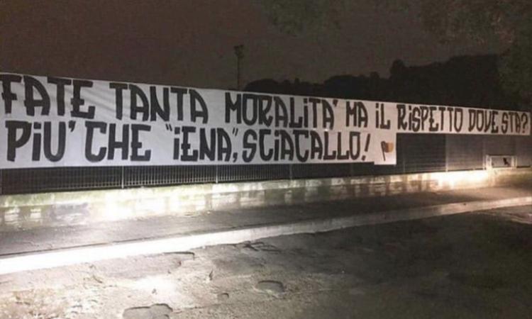 Roma, la Curva Sud difende Zaniolo: 'Più che Iene, sciacalli'