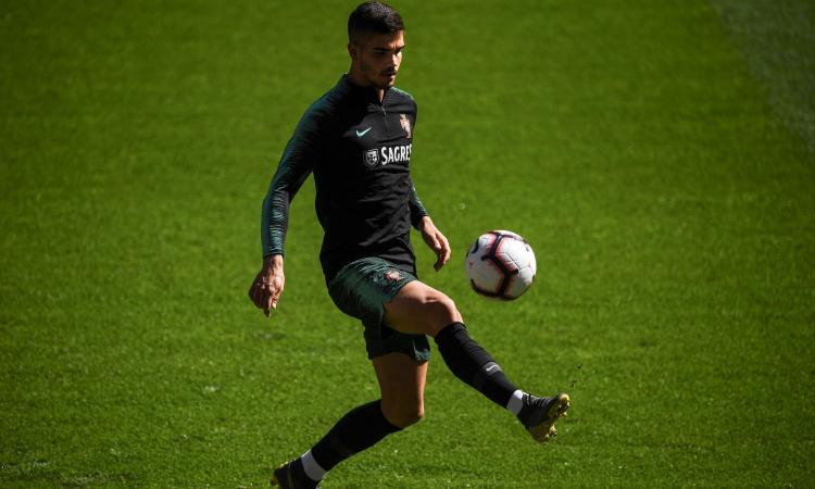 Milan, quattro club su André Silva