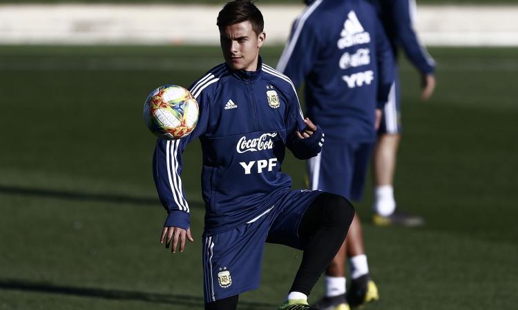 Dybala: 'Volevo essere come Ronaldo. Juve? Firmai il contratto in spiaggia'