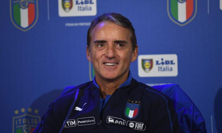 Mancini: 'Faremo 3/4 cambi. Sacchi mi fa i complimenti? Ha 24 anni di ritardo' VIDEO