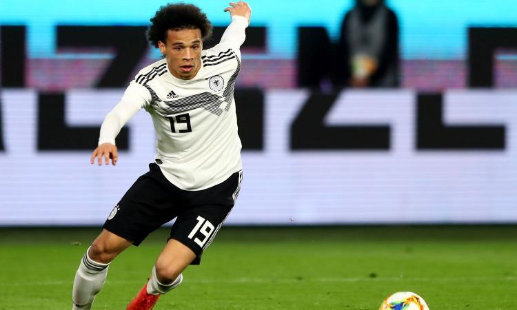 I compagni 'vendono' Sané al Bayern, lui sorride VIDEO