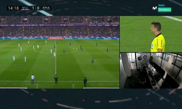 Incredibile: il Var annulla due gol al Valladolid contro il Real Madrid, ma nella sala video non c'è nessuno FOTO
