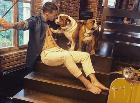 Bernardeschi privato: cani, Vespa e #familytime