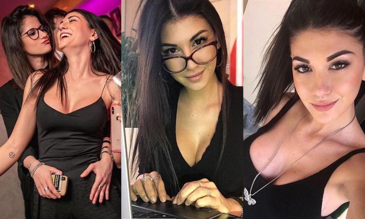 Ester, meglio sexy con gli occhiali, sola o con l'amica? GUARDA CHE FOTO