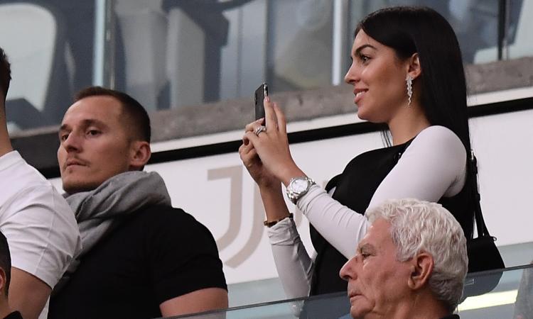 Juve, Georgina a Ronaldo: 'Il migliore, Triplete' FOTO