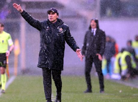 Montella sembra Pioli: a Firenze il derby della tristezza, il Bologna strappa un punto senza giocare