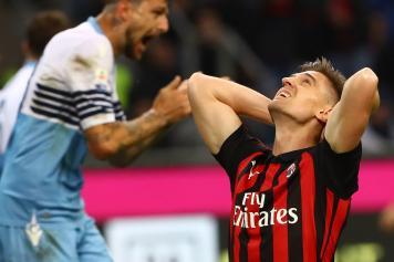 Piatek disperato Milan mani testa
