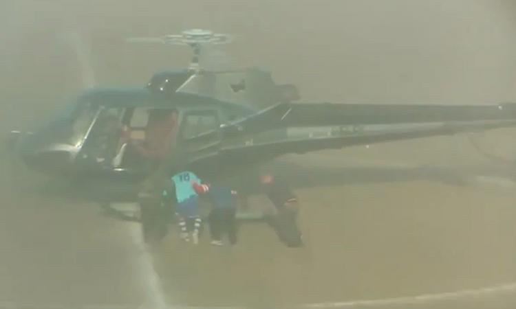 Incredibile in Sicilia, inscena un rapimento in elicottero per l'addio al calcio: 'Chiudo in gloria' VIDEO