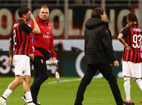 Milan, frattura del perone per Calabria: stagione finita, salta l'Europeo Under 21