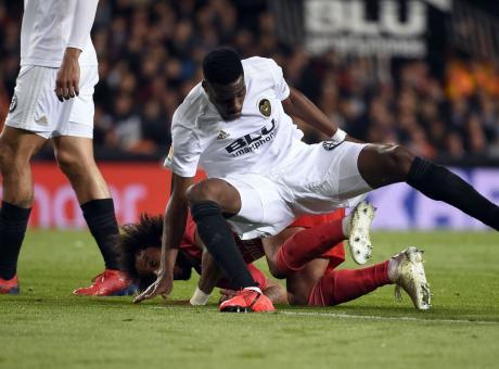 Infortunio Kondogbia, il messaggio dell'Inter: 'Forza Kondo!'