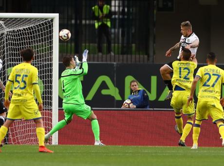 Onore al Chievo e lode a Vignato: è il migliore col Parma, resterà in Serie A
