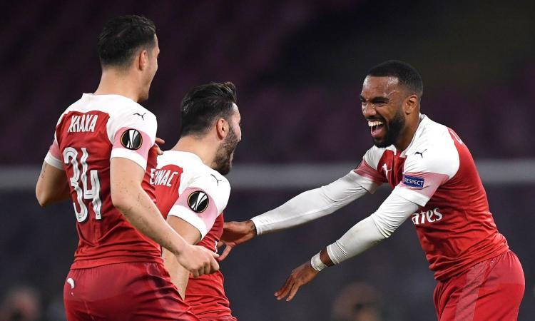 Il Napoli è troppo brutto per essere vero: ko e fischi, passa l'Arsenal. Ancelotti eliminato