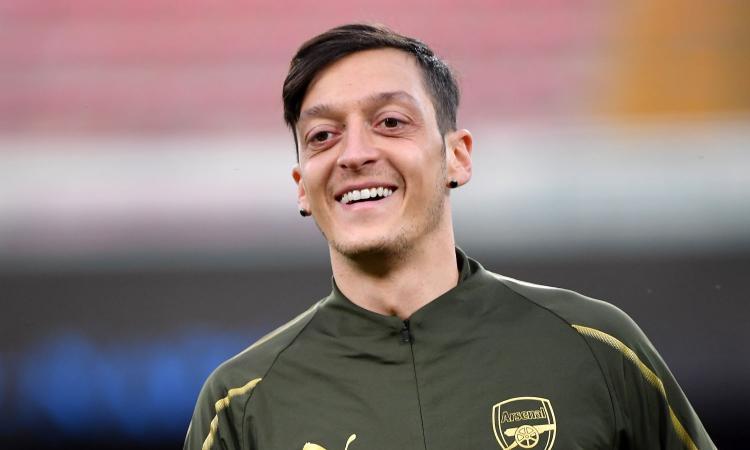 Retroscena Ozil, poteva non diventare un calciatore: lasciò la palla per la pallina... da ping pong
