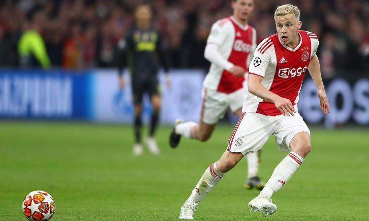 Ag. van de Beek: 'Molti club interessati, ma l'Ajax non può venderli tutti...'