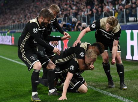 VXL, un blogger: 'La lezione dell'Ajax: per battere la Juventus basta giocare'