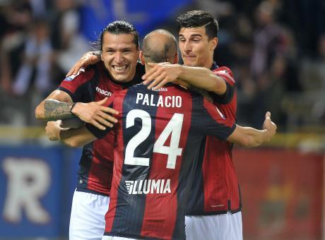 Gol e spettacolo a Bologna: Mihajlovic batte 3-2 il Napoli ed è 10° in classifica