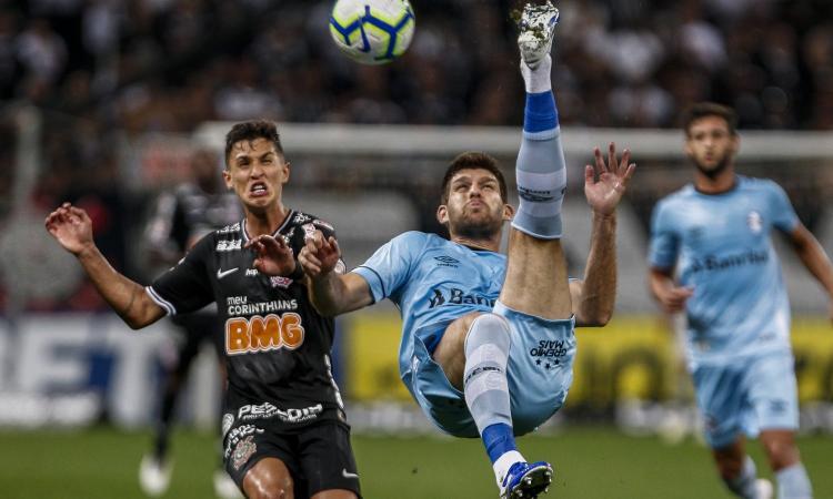 Inter, duello con l'Arsenal per un difensore
