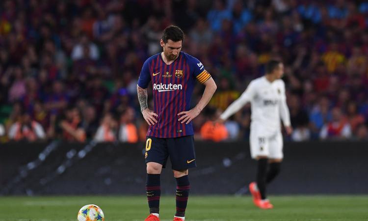 Il Barcellona sbaglia troppo e perde: 2-1 e Coppa del Re al Valencia. Valverde a rischio